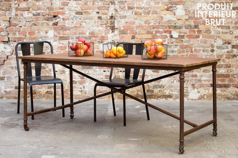 Tisch (auf Rollen) und Werkstattstühle – Retro Möbel von PIB Home