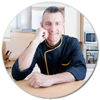 Chef pâtissier, le chef Sylvain propose des cours et des ateliers pâtisserie efficaces !